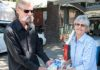 featured image - volunteer delivers a meal to a participant